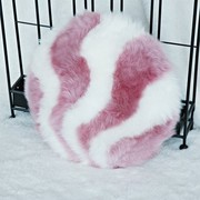 澳世家 (AUSKIN 100%澳洲原产进口羔羊皮 彩贝长毛圆抱枕 车家两用 粉衬白色