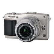 奥林巴斯 E-PM2 微单套机 银色(M.ZUIKO DIGITAL 14-42mm f/3.5-5.6 II R 镜头)