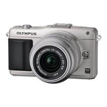 奥林巴斯 E-PM2 微单套机 银色(M.ZUIKO DIGITAL 14-42mm f/3.5-5.6 II R 镜头)产品图片主图