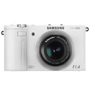 三星 EX2F 数码相机 白色(1240万像素 3英寸旋转屏 3.3倍光学变焦 24mm广角 WiFi连接)