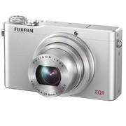 富士 XQ1 数码相机 银色(2/3英寸CMOS 3英寸液晶屏 4倍光学变焦 F1.8大光圈)