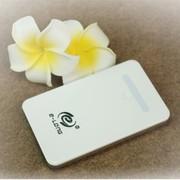 E-LONG 移动电源充电宝4000mAh 超薄超轻智能触控充电宝 E400A  白色 白色