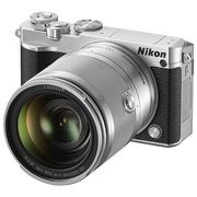 尼康 J5 +VR 10-100mm f/4-5.6 可换镜数码套机(银色)